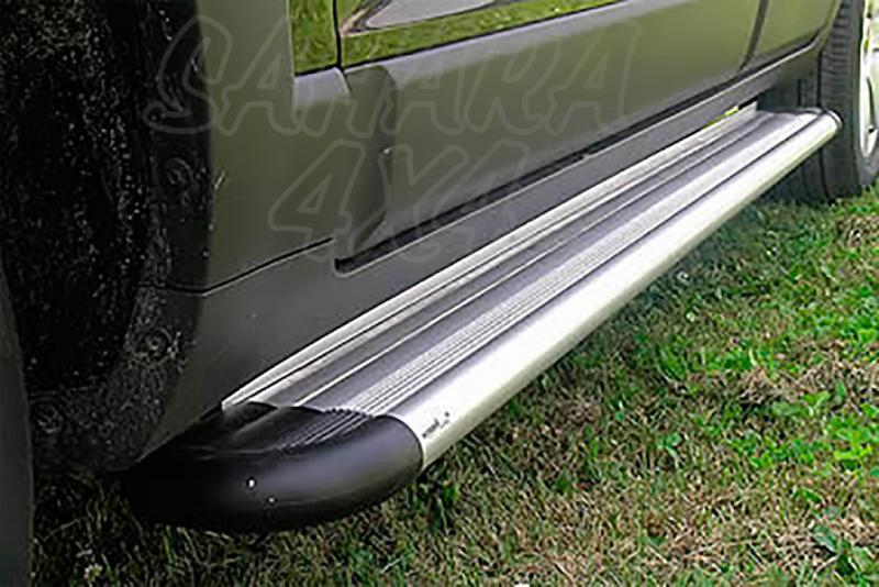 Estribos en plataforma de aluminio. Tipo S50 para Chevrolet Captiva 2006-2010 -