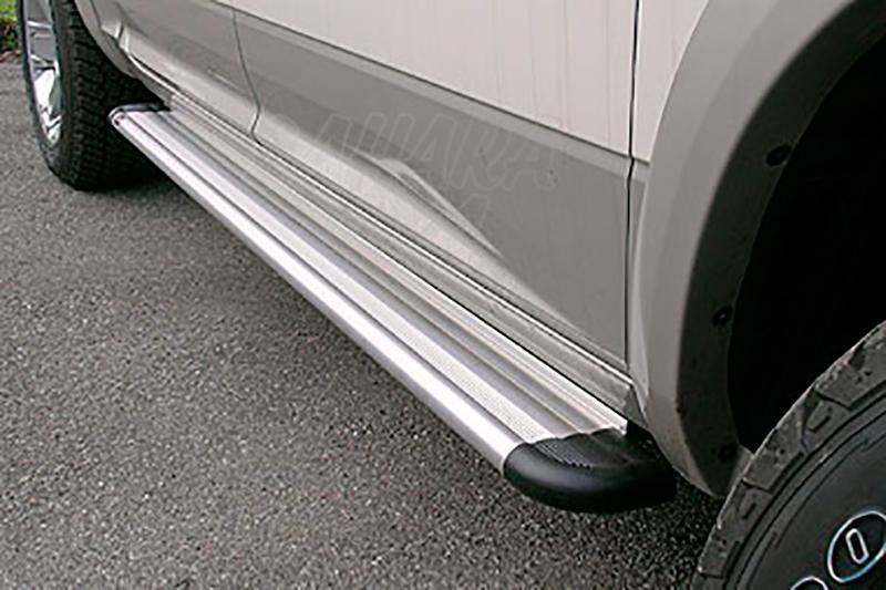 Estribos en plataforma de aluminio. Tipo S50 para Dodge RAM 2500 2010- -