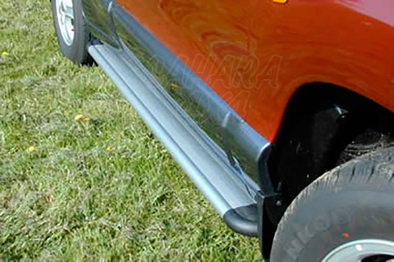 Estribos en plataforma de aluminio. Tipo S50 para Hyundai Santa Fe 2001-2006 -