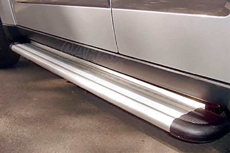 Estribos en plataforma de aluminio. Tipo S50 para Jeep Cherokee KK 2008-2014 -