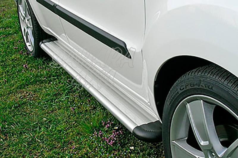 Estribos en plataforma de aluminio. Tipo S50 para Kia Soul 2009-2014 -