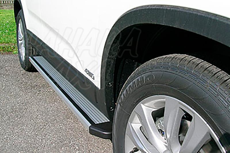 Estribos en plataforma de aluminio. Tipo STD para Kia Soul 2009-2014 - (Imagen no contra actual)