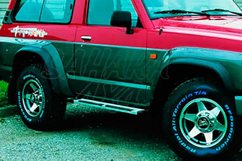 Estribos en plataforma de aluminio. Tipo STD para Nissan Patrol GR Y60 1988-1998 - Para 3 puertas