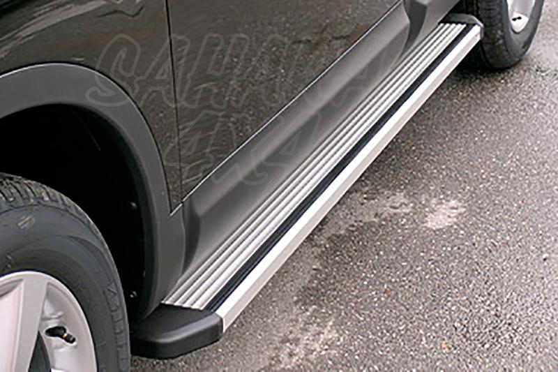 Estribos en plataforma de aluminio. Tipo STD para Nissan Qashqai +2 2008-2010 -