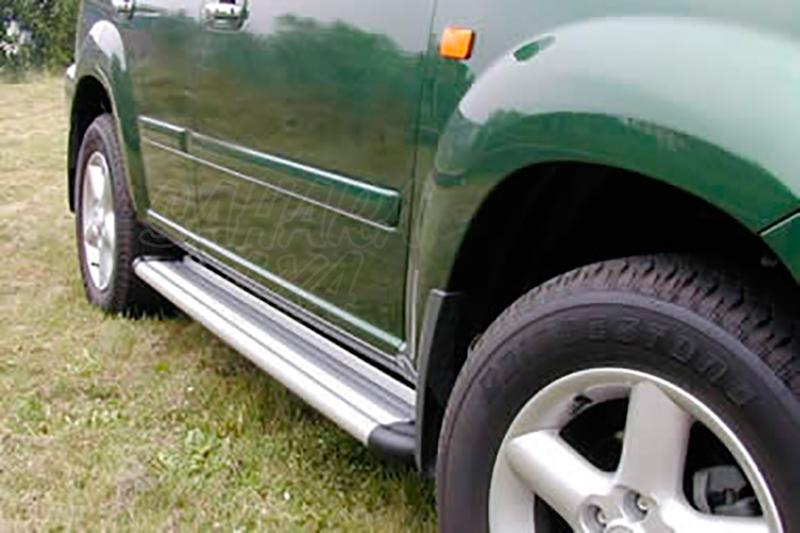 Estribos en plataforma de aluminio. Tipo S50 para Nissan X-Trail 2001-2004 -