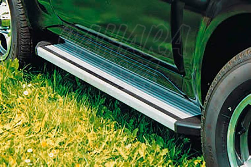 Estribos en plataforma de aluminio. Tipo STD para Toyota Hilux 1997-2005 - Para Extra cabina