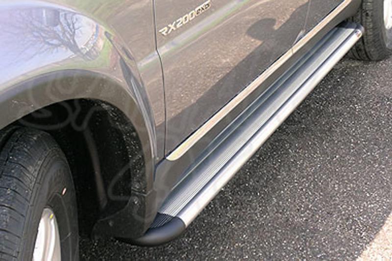 Estribos en plataforma de aluminio. Tipo S50 para SSanyong Rexton W 2013- -