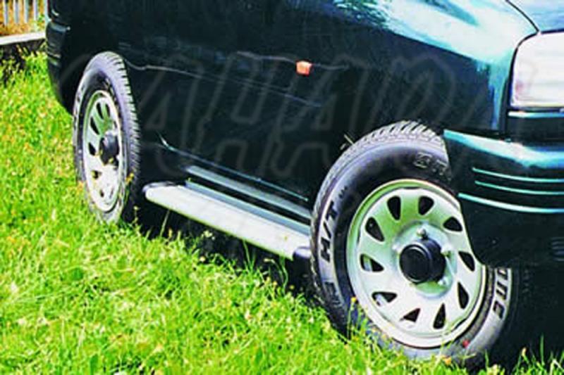 Estribos en plataforma de aluminio. Tipo S50 para Suzuki Grand Vitara 1998-2005 - Para 3 puertas