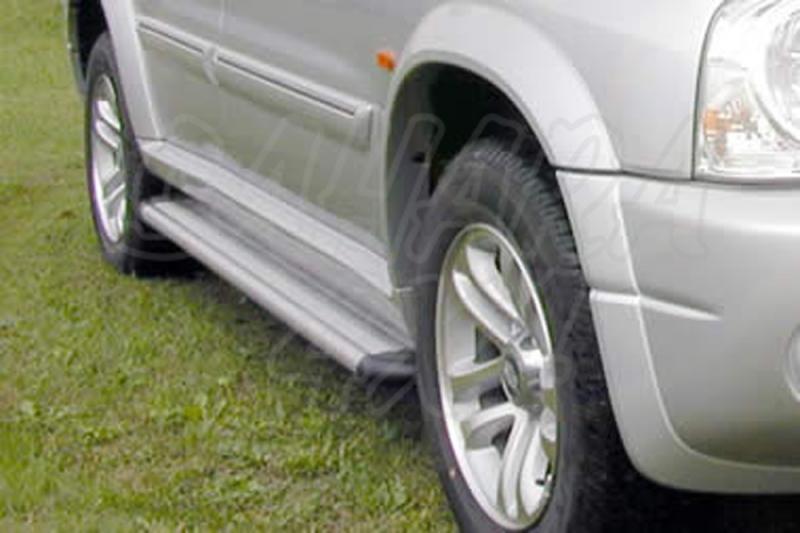 Estribos en plataforma de aluminio. Tipo S50 para Suzuki Grand Vitara XL7 1999-2007 -