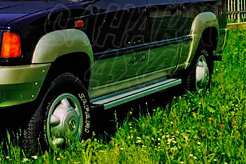 Estribos en plataforma de aluminio. Tipo STD para Tata Telcoline 2002-2007 - Para doble cabina