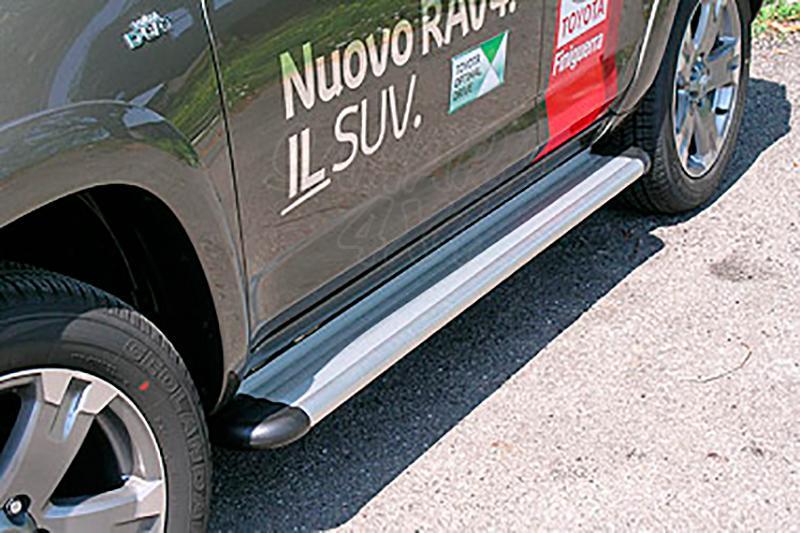 Estribos en plataforma de aluminio. Tipo S50 para Toyota Rav4 2010-2013