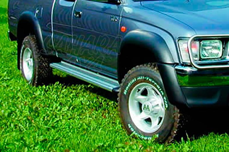 Estribos en plataforma de aluminio. Tipo S50 para Toyota Hilux 1997-2005 - Para Extra cabina
