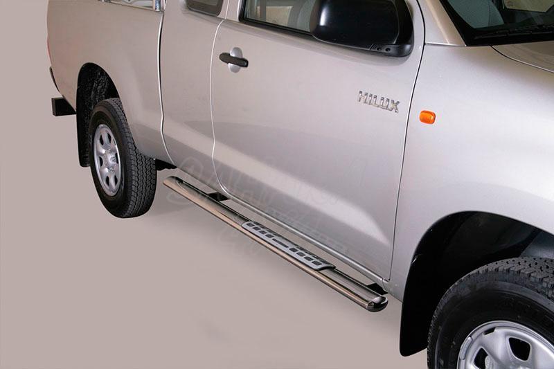 Pareja de estribos en tubo inox, sección oval, con pisantes. Tipo DSP para Toyota Hilux Vigo  - Para Extra cabina del 2005-2016