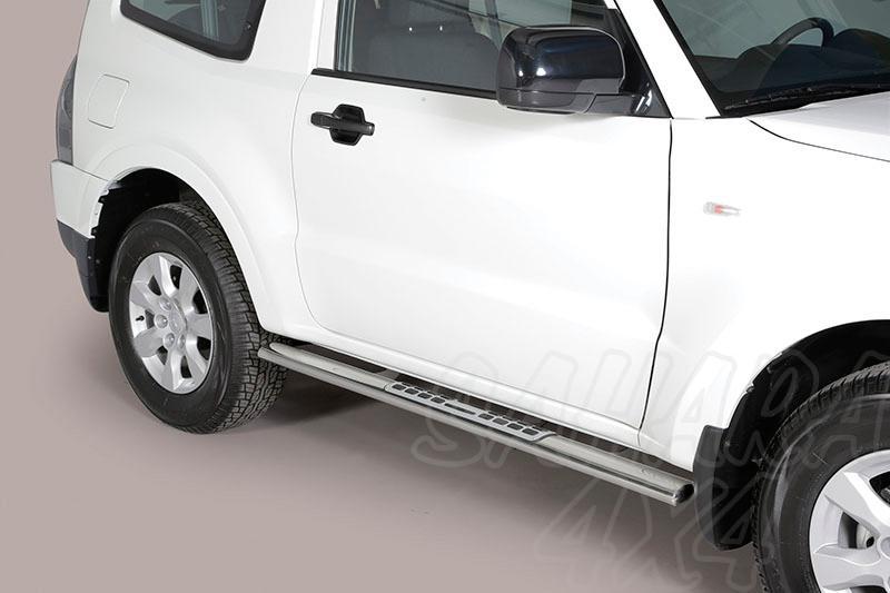 Pareja de estribos en tubo inox, sección oval, con pisantes. Tipo DSP para Mitsubishi Montero V80  - Para V80 (3p) 2007-