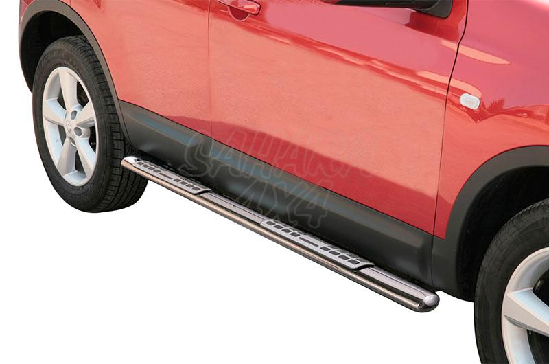 Pareja de estribos en tubo inox, sección oval, con pisantes. Tipo DSP para Nissan Qashqai 2007-2010 -