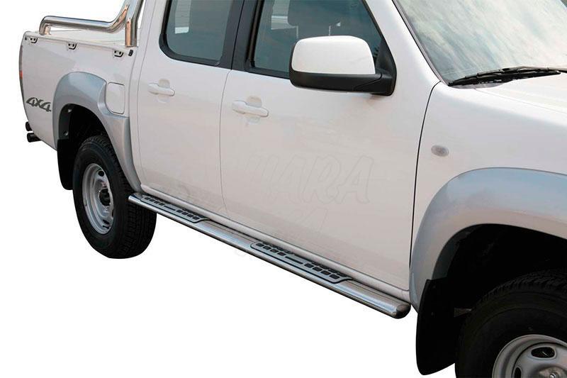 Pareja de estribos en tubo inox, sección oval, con pisantes. Tipo DSP para Mazda BT-50 2009-2012 - Para doble cabina