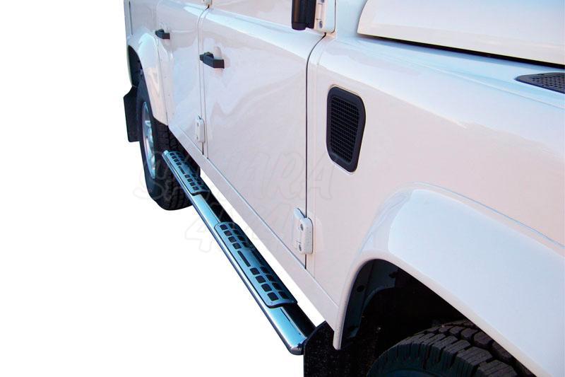Pareja de estribos en tubo inox, sección oval, con pisantes. Tipo DSP para Land Rover Defender - Valido para diferentes modelos. (Imagen no contra actual)