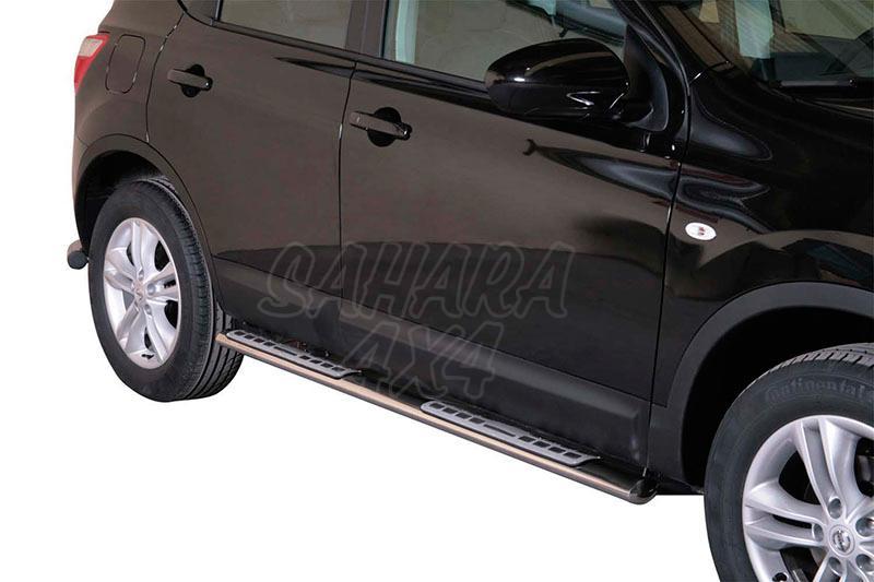 Pareja de estribos en tubo inox, sección oval, con pisantes. Tipo DSP para Nissan Qashqai 2010-2014 -
