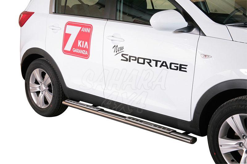 Pareja de estribos en tubo inox, sección oval, con pisantes. Tipo DSP para Kia Sportage 2004-2008