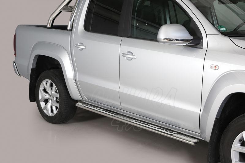 Pareja de estribos en tubo inox, sección oval, con pisantes. Tipo DSP para Volkswagen Amarok 2010- -