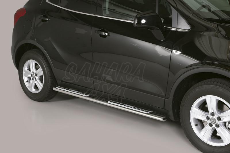 Pareja de estribos en tubo inox, sección oval, con pisantes. Tipo DSP para Opel Mokka 2012- -
