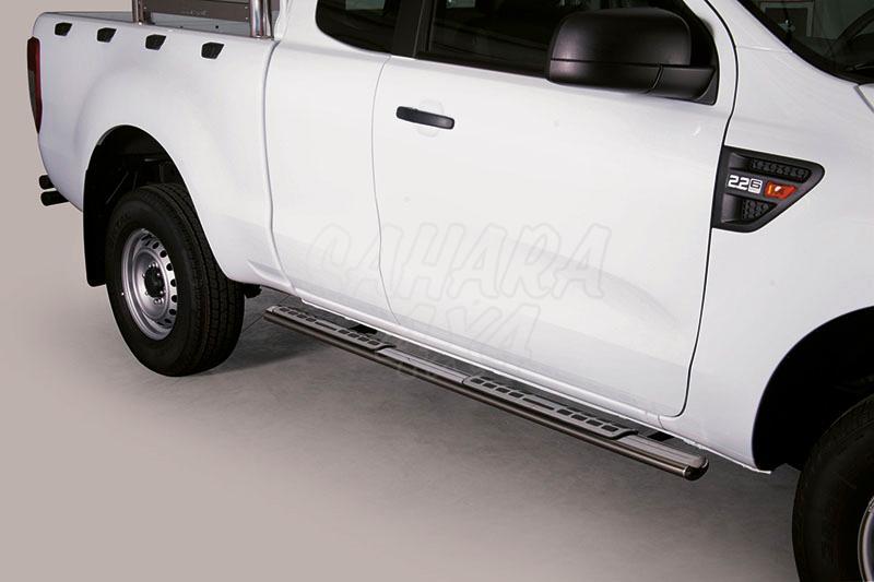 Estribos en tubo inox, sección oval, con pisantes. Tipo DSP para Ford Ranger 2012- (extra cabina) -
