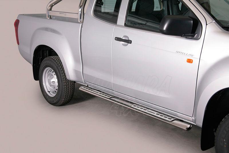 Estribos en tubo inox, sección oval, con pisantes. Tipo DSP para Isuzu D-Max 2012- (extra cabina) -
