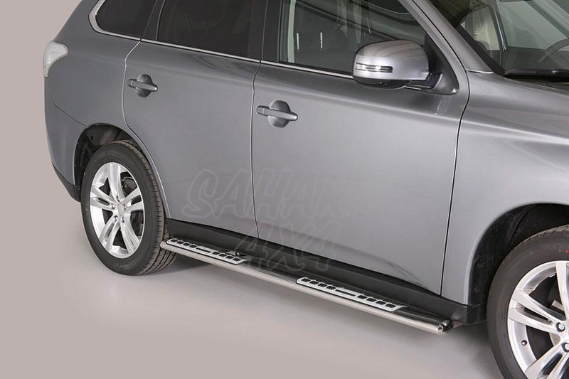 Pareja de estribos en tubo inox, sección oval, con pisantes. Tipo DSP para Mitsubishi Outlander  - Para Outlander 2012-2015