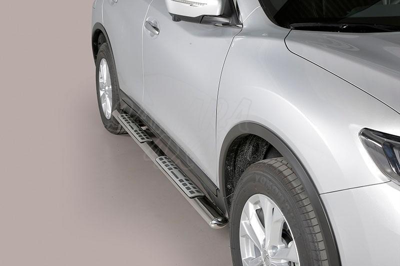 Pareja de estribos en tubo inox, sección oval, con pisantes. Tipo DSP para Nissan X-Trail 2014- -