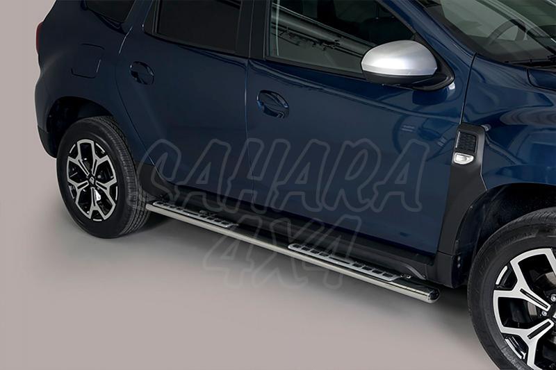 Pareja de estribos en tubo inox, sección oval, con pisantes. Tipo DSP para Dacia Duster 2017-