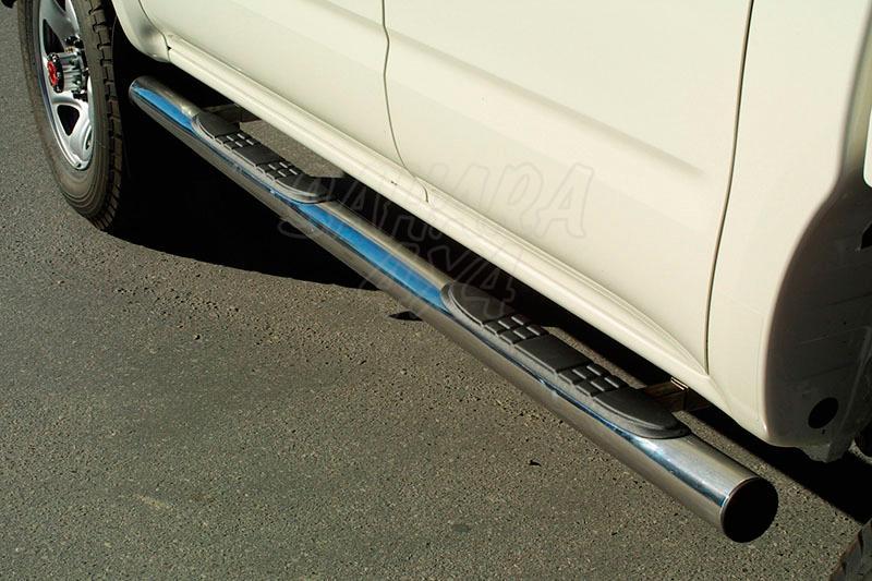 Pareja de estribos en tubo inox Ø76mm, con pisantes para Toyota Hilux 2002-2005 -