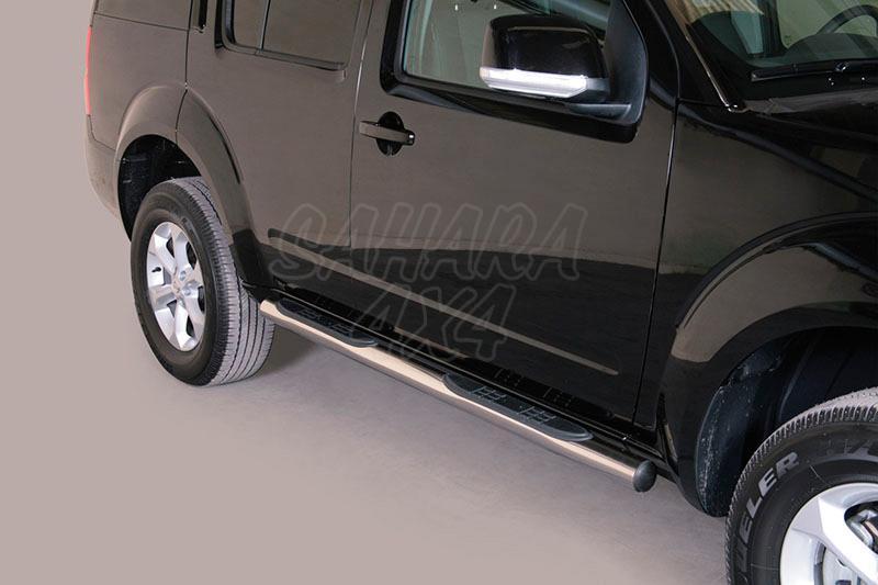 Pareja de estribos en tubo inox Ø76mm, con pisantes para Nissan Pathfinder 2010- -