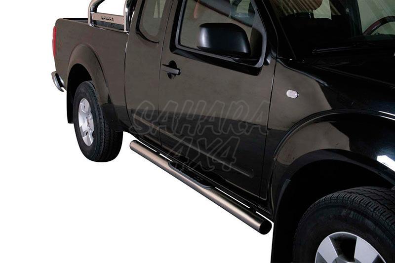 Pareja de estribos en tubo inox Ø76mm, con pisantes para Nissan Navara D40 2005-2015 - Para Extra cabina