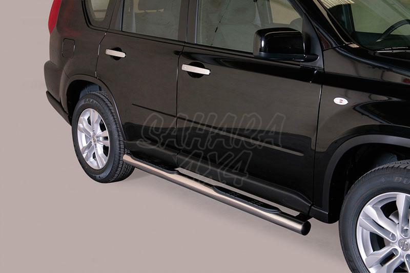 Pareja de estribos en tubo inox Ø76mm, con pisantes para Nissan X-Trail 2010-2014 -