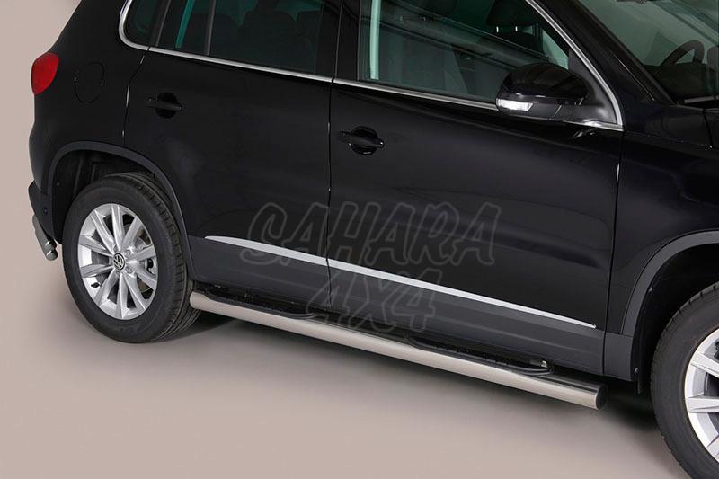 Pareja de estribos en tubo inox Ø76mm, con pisantes para Volkswagen Tiguan 2011- -