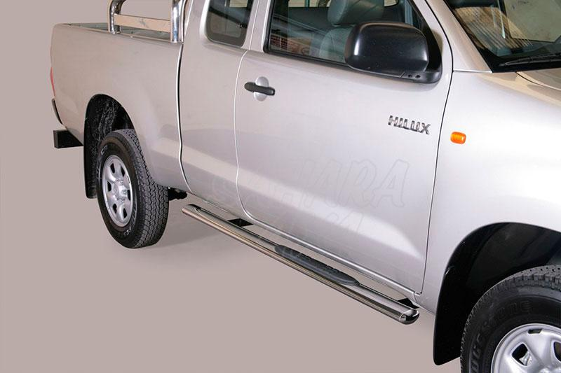 Pareja de estribos en tubo inox, sección oval, con pisantes para Toyota Hilux Vigo 2005-2016 - Para Extra cabina