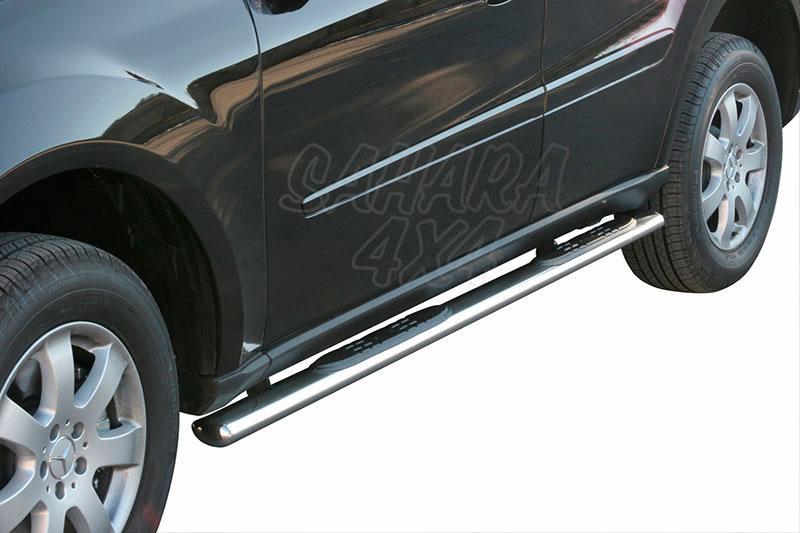Pareja de estribos en tubo inox, sección oval, con pisantes para Mercedes Benz ML 2005-2012 - Para modelos W164.