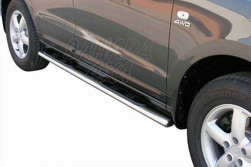 Estribos en tubo inox, sección oval, con pisantes para Hyundai Santa Fe 2006-2010 -