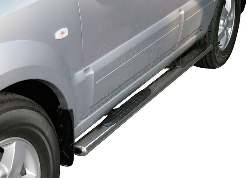 Estribos en tubo inox, sección oval, con pisantes para Kia Sorento 2006-2009 -