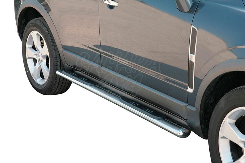 Pareja de estribos en tubo inox, sección oval, con pisantes para Opel Antara 2007-2011 -