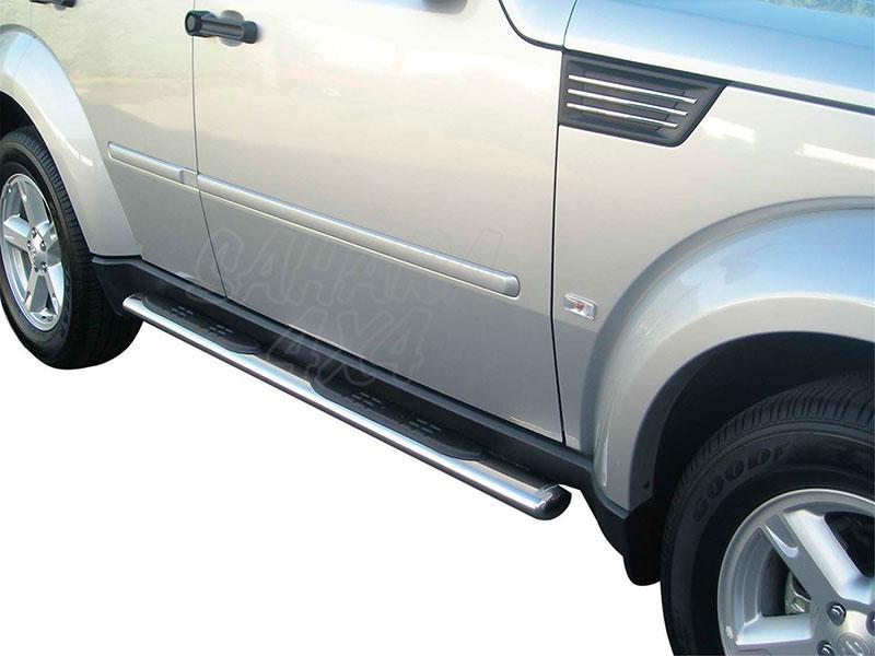 Pareja de estribos en tubo inox, sección oval, con pisantes para Dodge Nitro 2007- -