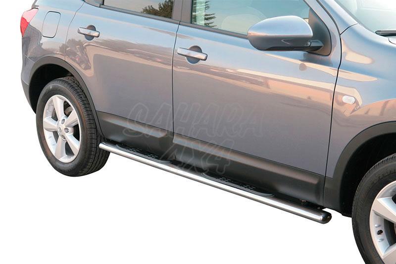 Pareja de estribos en tubo inox, sección oval, con pisantes para Nissan Qashqai +2 08-10 -
