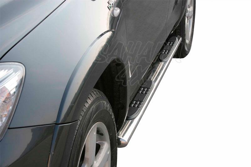 Pareja de estribos en tubo inox, sección oval, con pisantes para Toyota Rav4 2009-2010 -