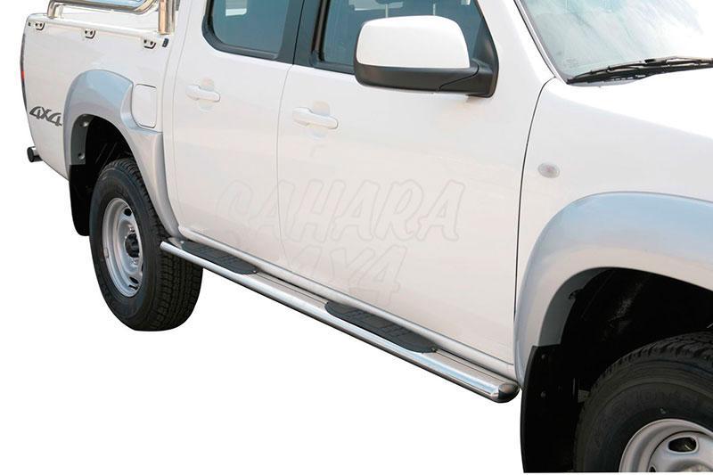 Pareja de estribos en tubo inox, sección oval, con pisantes para Mazda BT-50 2009-2012 - Para doble cabina.