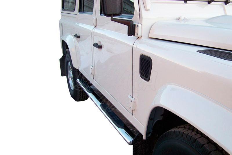 Estribos en tubo inox, sección oval, con pisantes para Land Rover Defender - Valido para diferentes modelos.