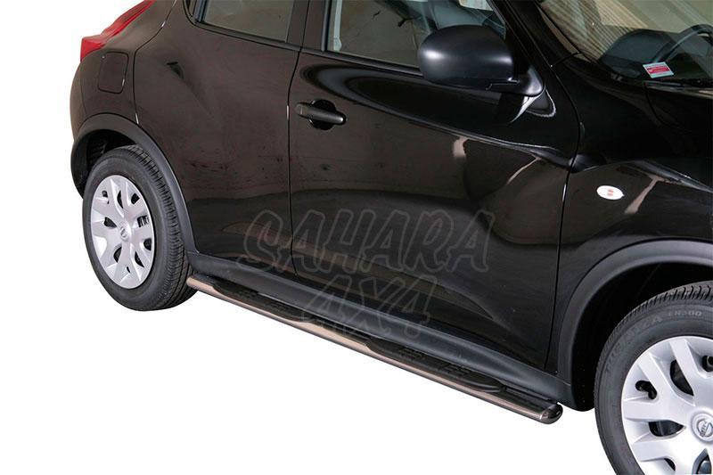 Pareja de estribos en tubo inox, sección oval, con pisantes para Nissan Juke 2010- -