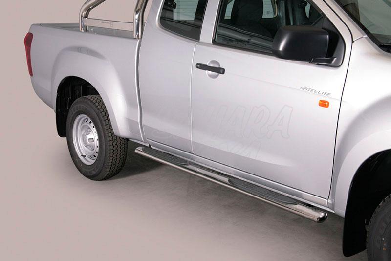 Estribos en tubo inox, sección oval, con pisantes para Isuzu D-Max 2012- - Extra cabina