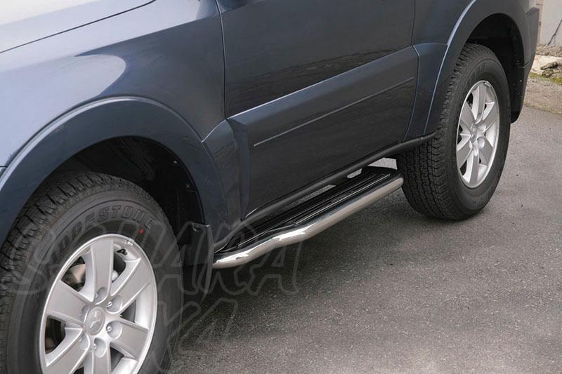 Estribos en plataforma con tubo inox Ø50mm para Mitsubishi Montero V80 (3p) 2007- -