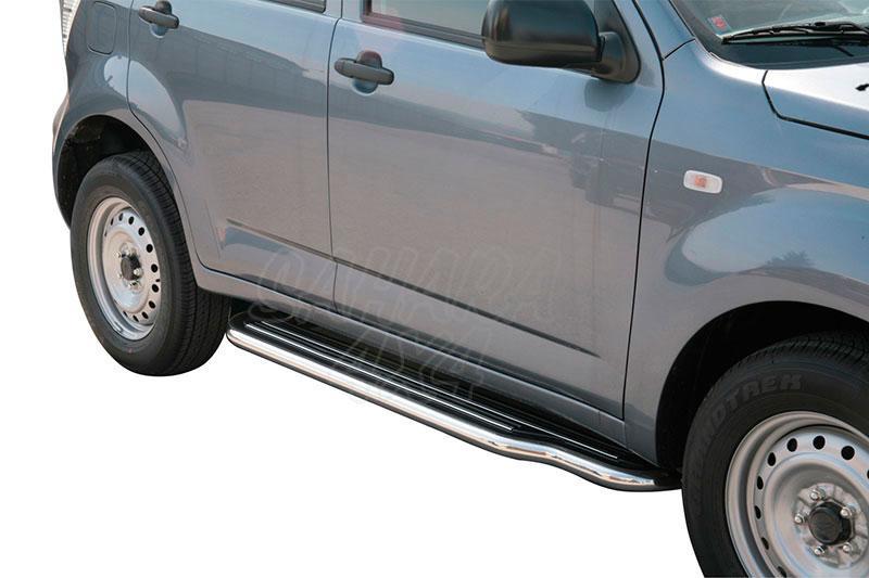 Estribos en plataforma con tubo inox Ø50mm para Daihatsu Terios sólo 2009- -
