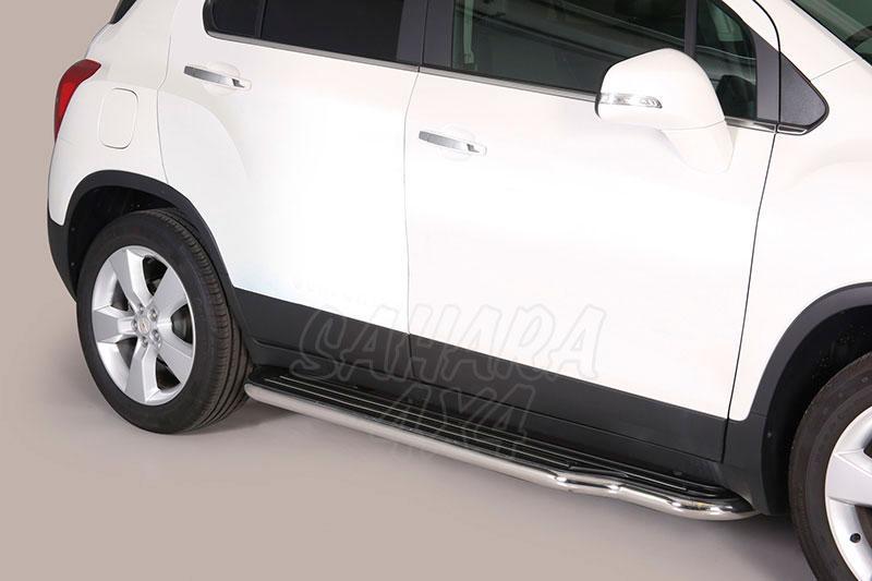 Estribos en plataforma con tubo inox Ø50mm para Chevrolet Trax 2013- -